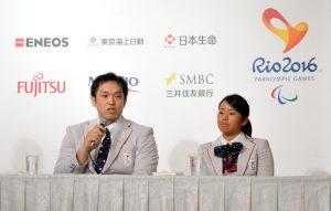 子どもたちへのメッセージを聞かれ藤本と上地は「テレビの前で日本代表にエールを送ってほしい」と話した